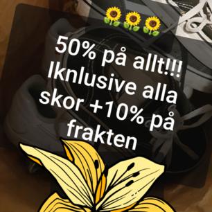 🌻REA VARJE DAG!!!🌻Nu säljs allt för halva orginalpriset🌻 Priserna är INTE ÄNDRADE i annonserna!🌻Och som en bonus, 10% på frakten🌻