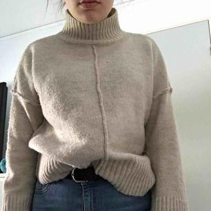 Oanvänd tröja från vero Moda