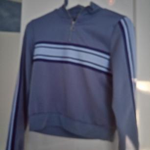 Fin tröja från Bikbok. Möts upp i Stockholm, annars står köparen för frakten. Hör av dig för fler bilder