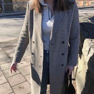 Säljer även denna efterfrågade kappa. 🤩 Köpt för 800 och använd endast en gång!