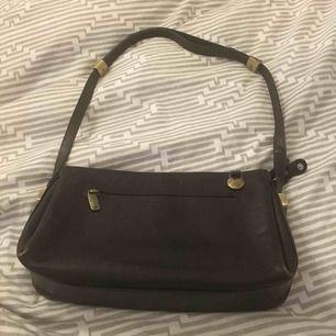 Äkta adax handväska , äkta skinn nypris 2000 Kan gå ner i pris vid snabb affär