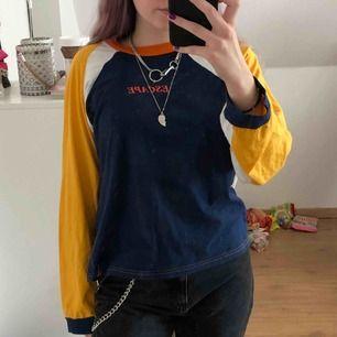 En jättecool tröja från the ragged priest, köpt förra året nån gång och använd max 4 ggr. Säljer då den aldrig kommer till användning så det är bättre att nån annan kan få användning av den :) Köparen står för frakt❤️❤️
