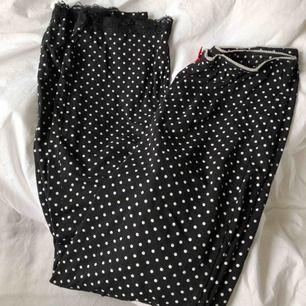 Pyjamasbyxor ifrån Rut & Circle. Supersöta 💗💗 skickas för 36kr.
