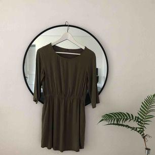Mjuk och bekväm klänning köpt second hand i New York 🌞 S/M i strl