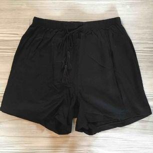 Shorts från Bikbok   Använda kanske nån gång   Frakt tillkommer på 18kr