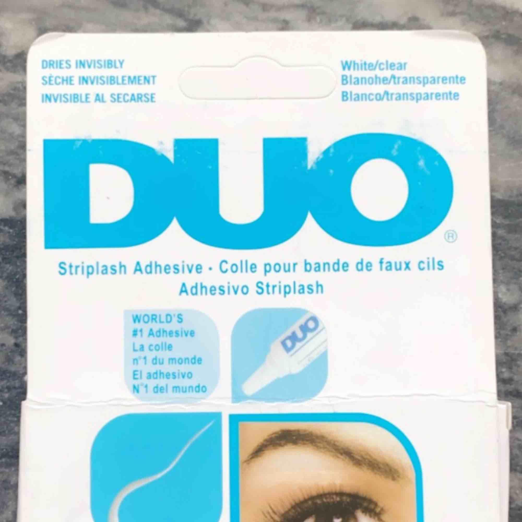 Helt oöppnat och Oanvänt DUO lim, råkade köpa två så säljer den andra! . Övrigt.