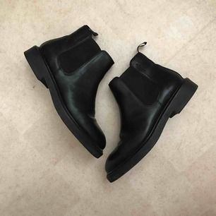 Fina boots skor från Vagabond i svart kvalitetsskinn. Mycket lite använda ✨ Nypris över 1000-lappen, passa på att fynda!