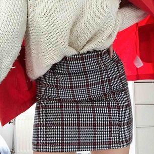 """""""Clueless""""inspirerad kjol från bubbleroom by Molly rustas! SUPERsnygg, finns en tillhörande kavaj också som finns på min sida. Köparen står för frakt"""