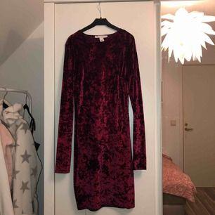 Röd velvet klänning. Nytt skick 😊 du står för frakt