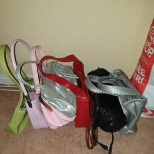 8 stycken dam hand väskor billigt bra skick i Haninge men kan träffas upp i närheten