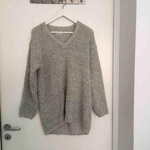 Oversize stickad tröja från hm, stl L (jag har använt som oversize, skitsnyggt)!