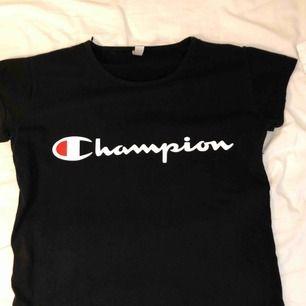 En snygg men ändå basic t-shirt från Champion