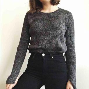 Supermysig tröja från H&M i nyskick✨Köparen står för frakt eller mötas upp i Karlstad 💕