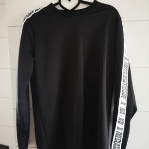 Snygg tröja från märket the Classy issue, Nypris 499kr