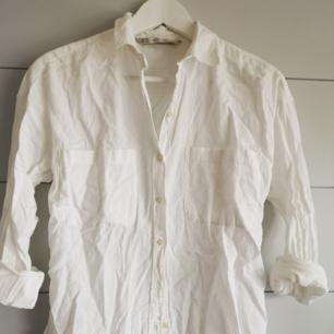 Vit linneskjorta ifrån zara