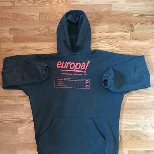 Säljer denna coola balenciaga hoodie