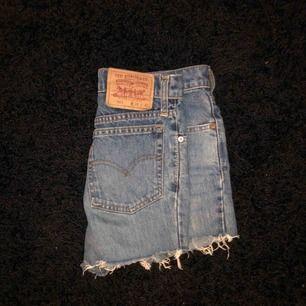 Svinsnygga shorts- Levis (äkta)