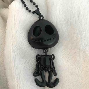 Svart skelett halsband (frakt tillkommer)