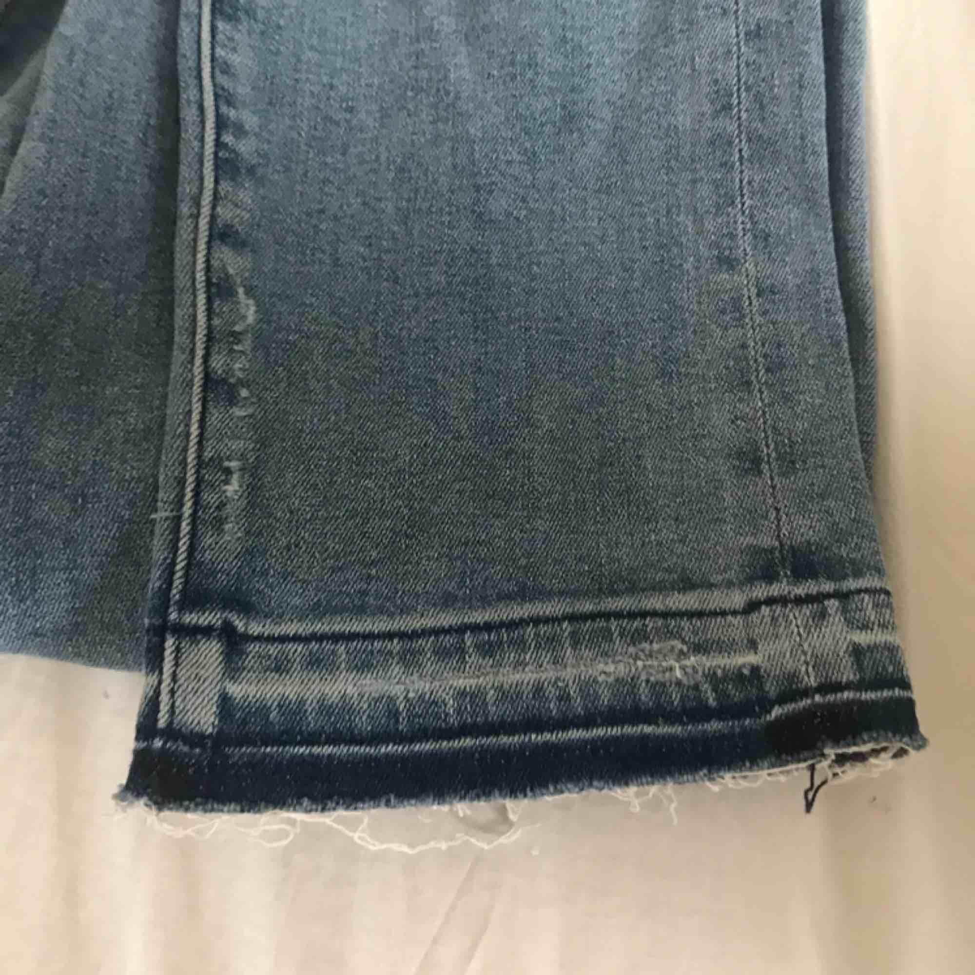 skitsnygga momjeans, tyvärr för stora för mig. I storlek 26.. Jeans & Byxor.