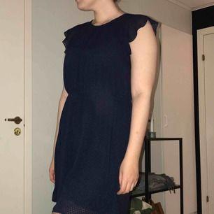 Oanvänd klänning från H&M. Tveka inte att höra av dig om du gillar den ☺️