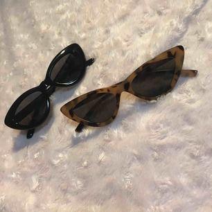 Säljer mina två nya solglasögon från Hm, oanvända och i bra skick! Kan köpas separat också för 40kr styck💕