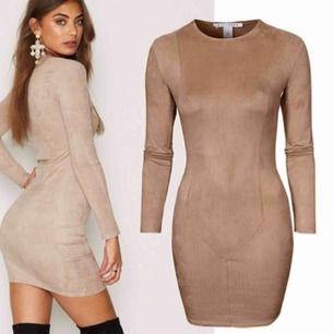 Beige mocka klänning från Nelly, använd ca 5 gånger, fake mocka matrial
