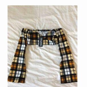 HELT ny tröja från boohoo jag aldrig använt. Prislapp på och den är sååå extremt snygg. Frakt tillkommer för en liten peng. Annars kan jag mötas upp i Lund/Malmö/Arlöv <3