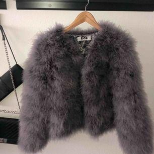 Säljer ännu en dream jacket (hihi) eftersom jag tyvärr inte haft möjlighet att ha på mig den så mycket. Nästan inte använd alls, och är därmed i fint skick. Nypris 1,4. Tar endast swish å frakt tillkommer. Xoxo