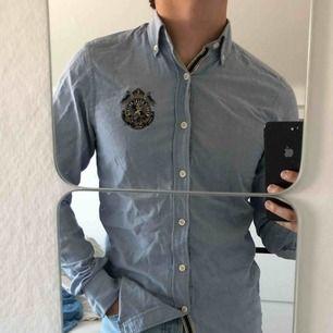 En slimfit skjorta ifrån Morris