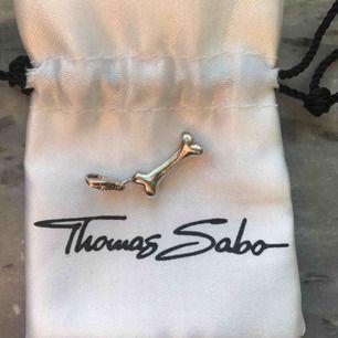 Hundbens berlock från Thomas Sabo