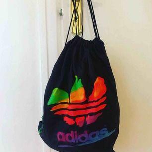 Vintage gympa påse från Adidas. 80-tal
