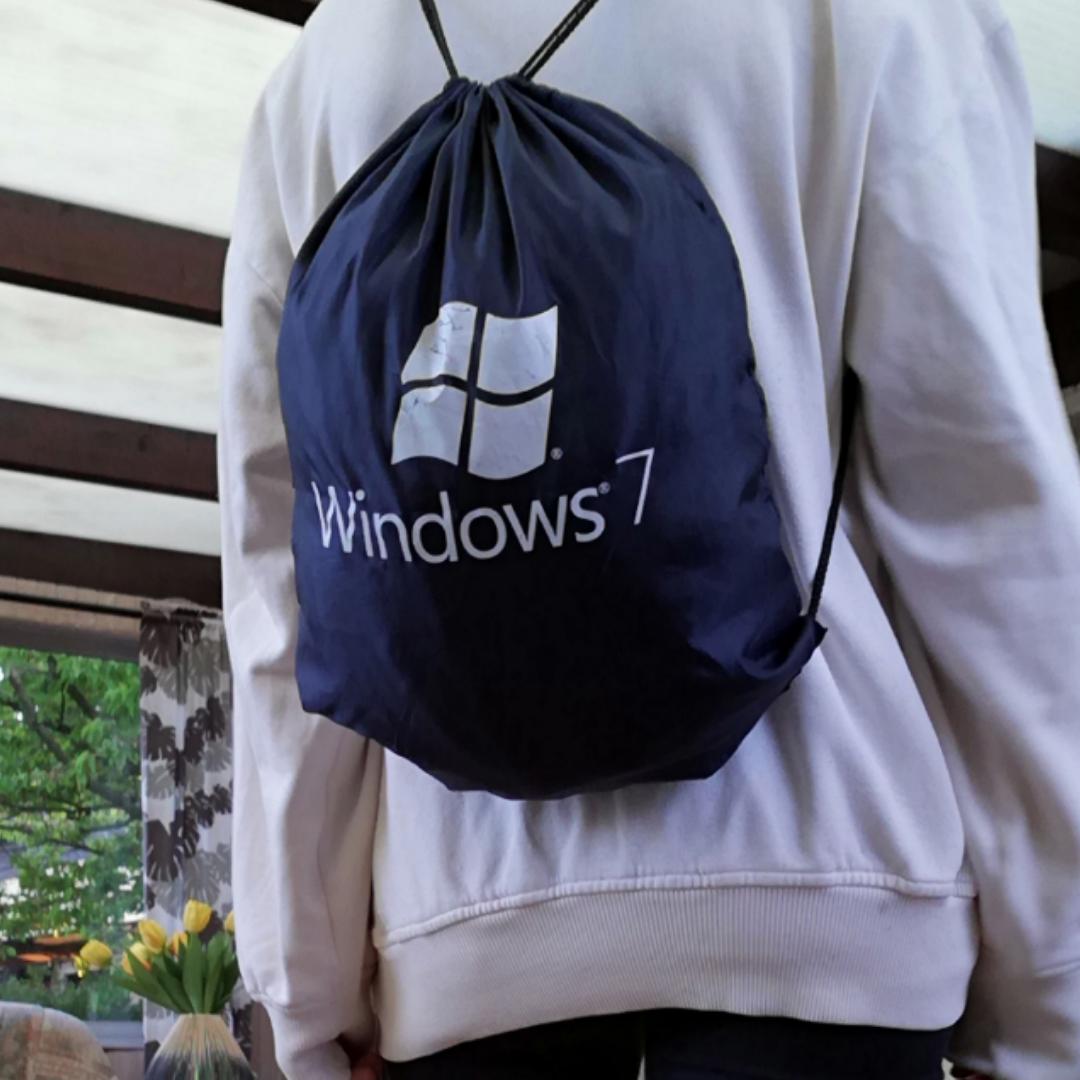 Cool Windows 7 gympapåse köpt secondhand. Frakt 42 kr. . Väskor.