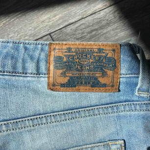 Fina boyfriend jeans från crocker. Säljs då det är lite för stora för mig.