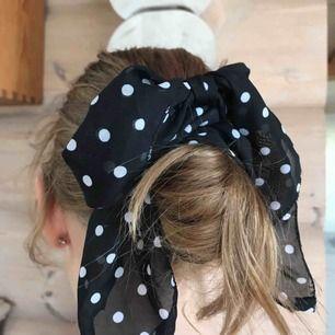 Hårband, skärp eller vad man nu vill använda det till Köparen står för frakt (: