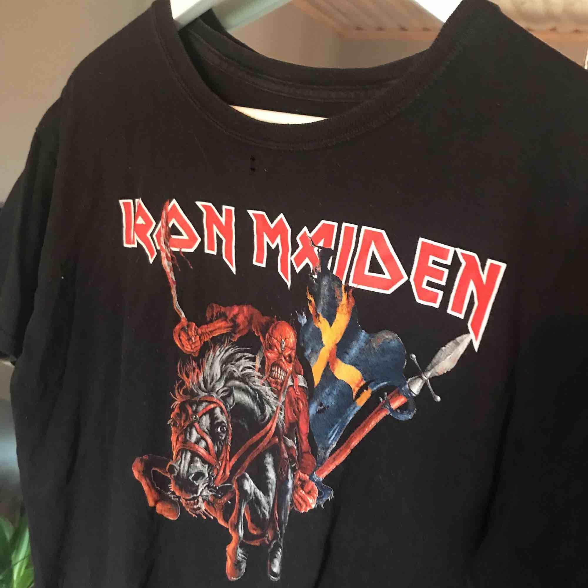 Iron Maiden äkta konsert t-shirt!  Köparen står för frakt ⭐️. T-shirts.
