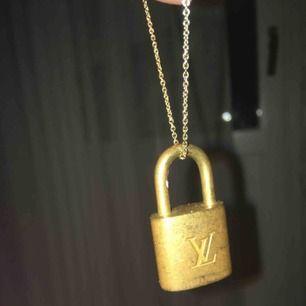 Säljer ett lås från Louis Vuitton