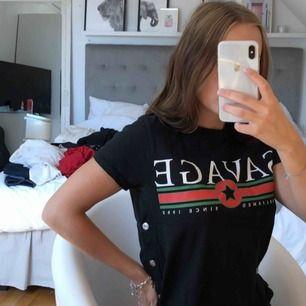 Savage t-shirt, aldrig använd