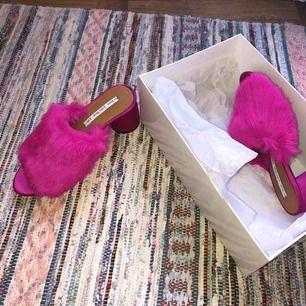 Neonrosa fuskpäls sandaler med klack Från & Other Stories