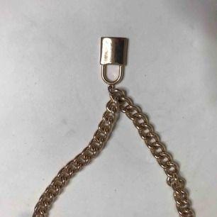 Halsband med lås