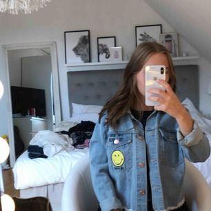 Jeansjacka köpt i London, använd en gång, nypris 400kr