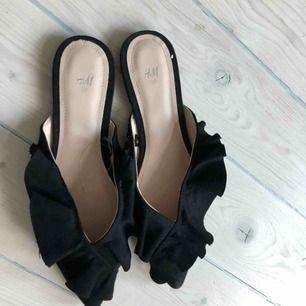 Svarta sandaler från HM. Nya och oanvända.