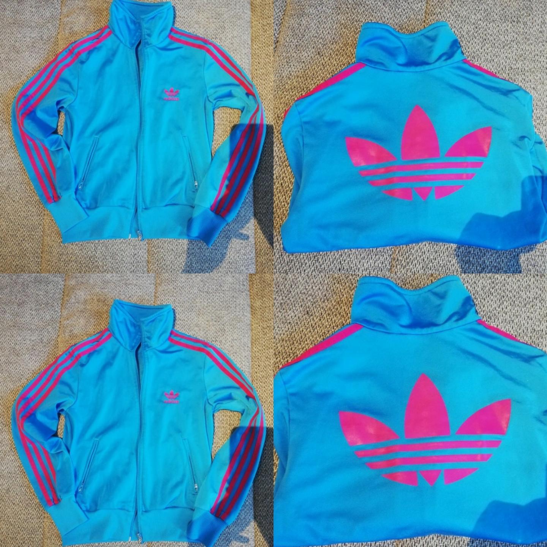 Adidas tröja Size xs  Rökfritt hem  Fint skick  250kr  Mvh Jessica . Huvtröjor & Träningströjor.