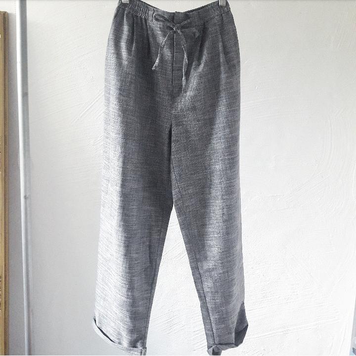 Supersköna linnebyxor från Urban outfitters, storlek xs. Perfekta inför sommaren!🌻. Jeans & Byxor.