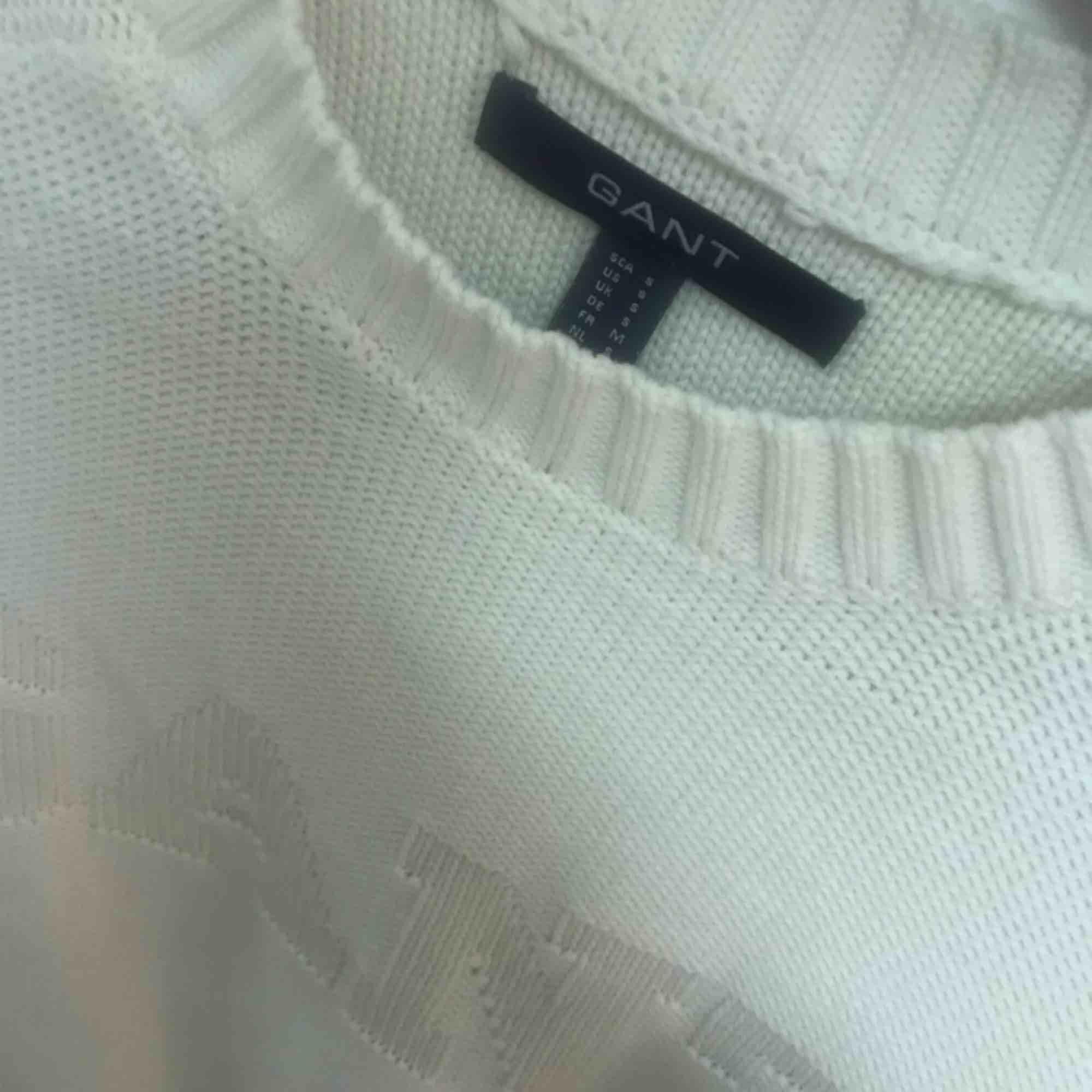 Skön stickad GANTtröja i storlek M Köparen står för frakt. Stickat.
