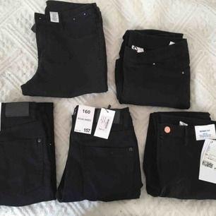 Alla är oanvända 1&2 Skippy jeans från lager 157 strl 160 (nypris:150kr) 3. Skinny fit jeans från H&M strl 157 (nypris:99kr) 4. Skinny fit jeans från H&M strl 170 5. Jeans från Cubus strl XS  Vid snabb affär kostar dem 30kr/st