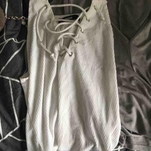 Tre tröjor. Köp alla för 70kr