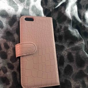 Passar iPhone 6-8, i nyskick och knappt använt alls!  Pris går att diskutera!  För mer info och bilder kontakta mig!💞