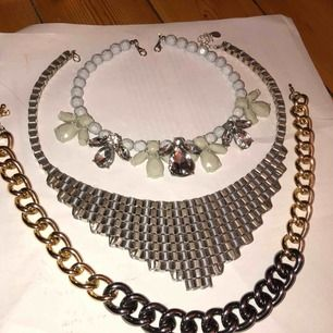 Snygga och passande halsband! 20kr/st eller alla för 55kr! FRI FRAKT