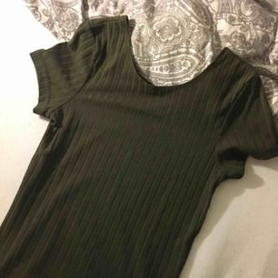 Fin ribbad bikbok tröja Stl:S men mer som Xs aldrig använd bara testad