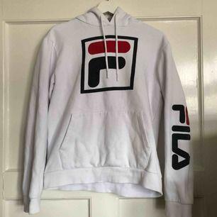 Fila hoodie. Köparen står för frakt:)